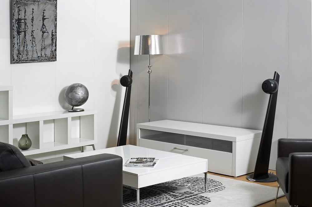 cabasse io2 sur pied audiophile. Black Bedroom Furniture Sets. Home Design Ideas